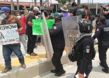 Antimotines desalojan a defensores de bosques de caseta en Chilpancingo 1