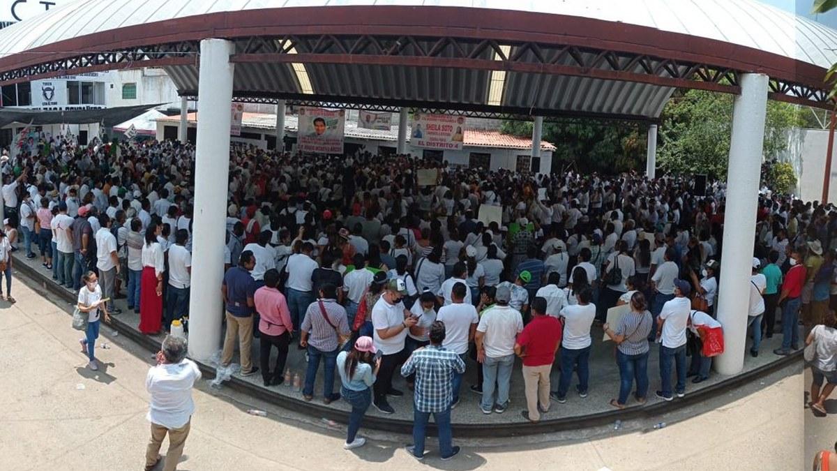 Ricardo Taja y Mario Moreno reciben apoyo masivo de transportistas en Acapulco 3