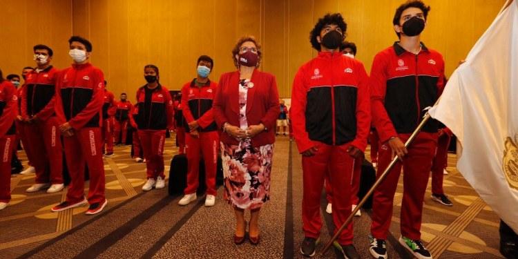 Alcaldesa abandera deportistas que competirán en los juegos nacionales Conade 2021 1