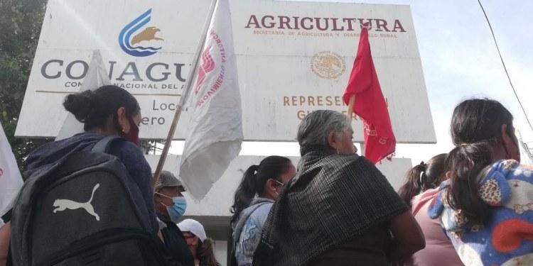 Campesinos protestan en Chilpancingo; exigen reincorporación para fertilizante 2021 1