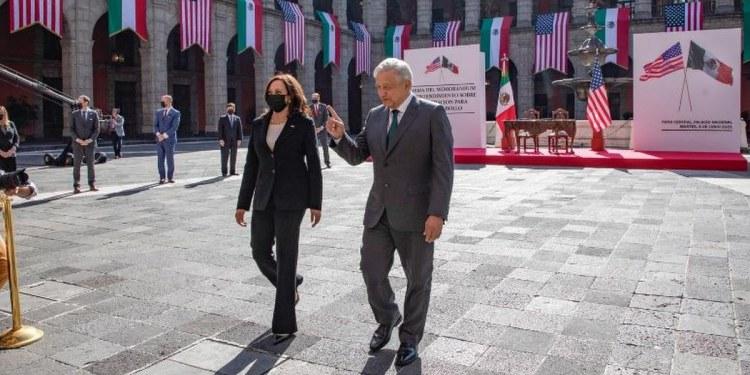 Kamala Harris sugiere a México vender avión presidencial para viajes al espacio 1