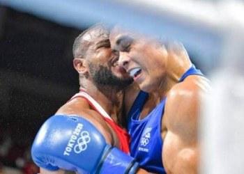Tokio 2020: descalifican a boxeador por morder la oreja de contrincante 3