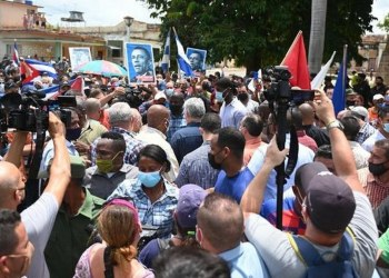 Biden analiza imponer nuevas sanciones a Cuba y ofrecer internet gratis a la población 3