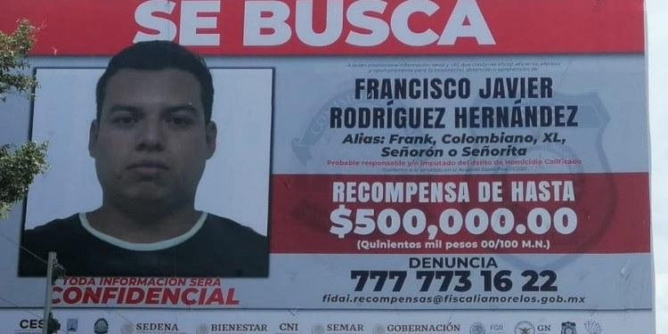 """Intentan quemar espectacular con foto de """"El Señorón"""" en Morelos 1"""