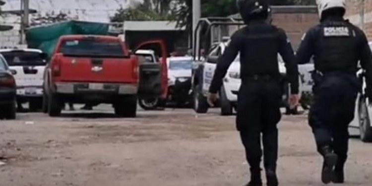 Grupo armado asesinan a una mujer afuera de su casa en Irapuato 1