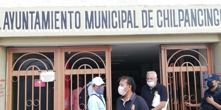 Toño Gaspar se niega a pagar a trabajadores del Ayuntamiento; inician plantón 1