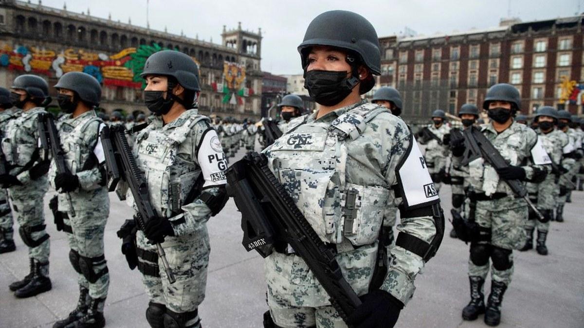 Desfile Cívico Militar por el 211 Aniversario del inicio de la Independencia de México | Fotos 3