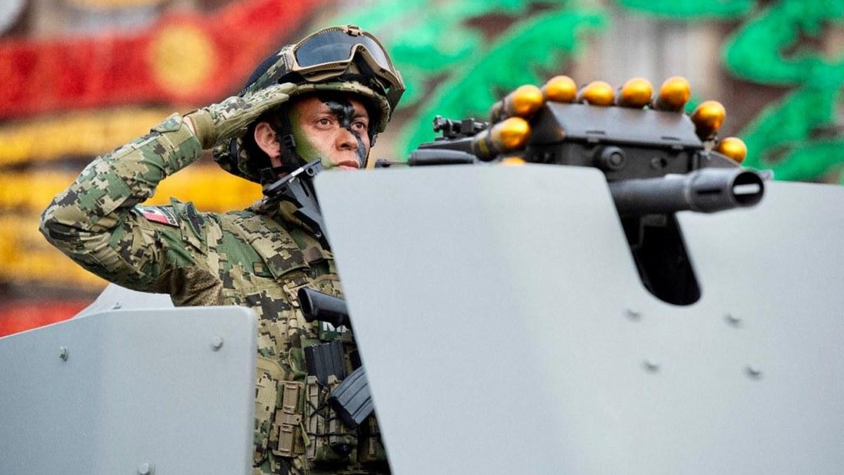 Desfile Cívico Militar por el 211 Aniversario del inicio de la Independencia de México | Fotos 4
