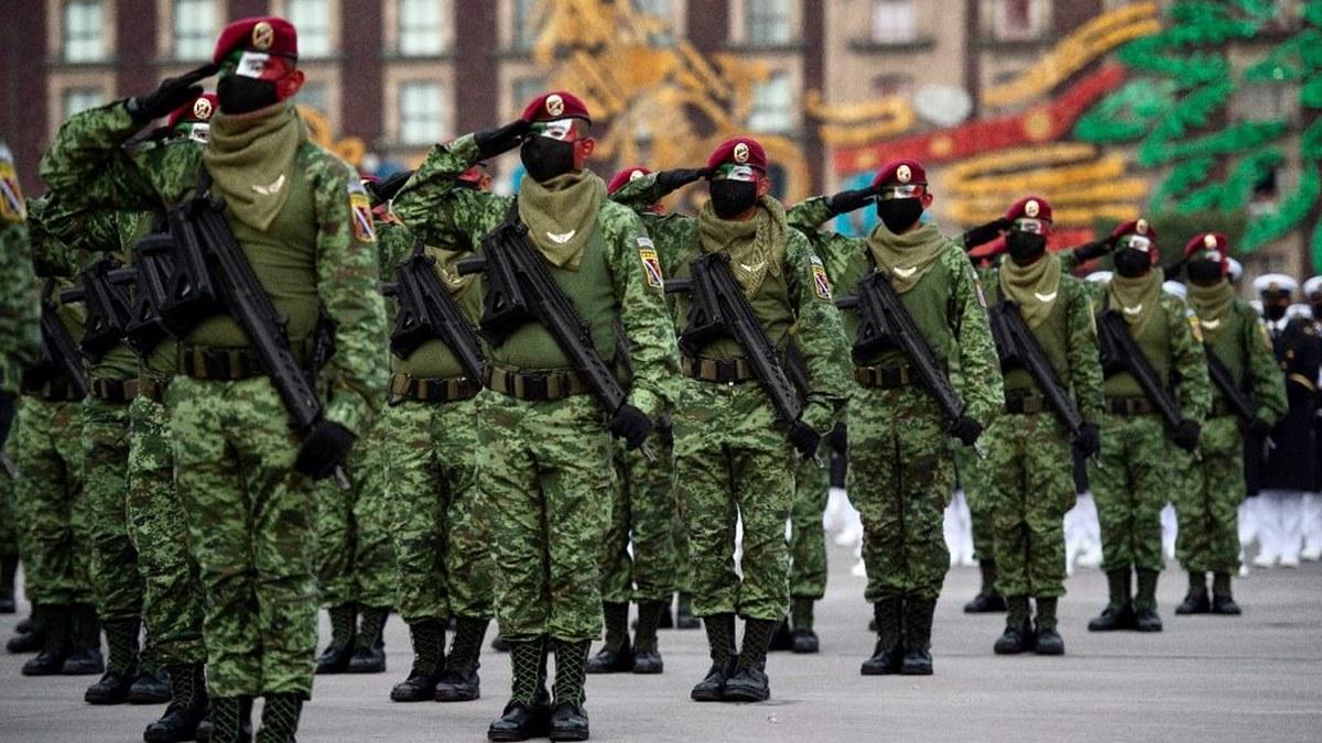 Desfile Cívico Militar por el 211 Aniversario del inicio de la Independencia de México | Fotos 7