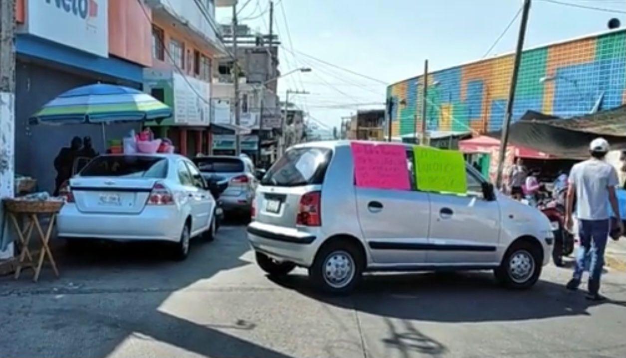 Bloqueos por falta de agua paralizan calles y avenidas de Acapulco 1