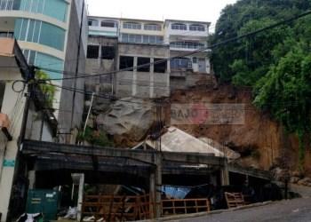 Lluvias aumentan los daños del terremoto en Acapulco; colapsan edificio y alberca 7