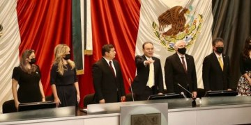 """""""¡No les voy a fallar!"""": Alfonso Durazo protesta como gobernador de Sonora 1"""