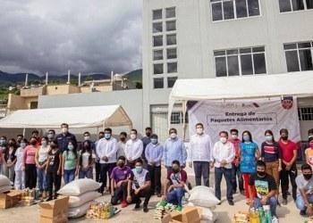 UAGro e INPI entregan paquetes de alimentos a la Casa del Universitario Indígena 11
