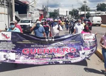 Docentes de la CETEG marchan y bloquean en Chilpancingo 9
