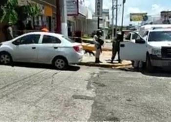 Asesinan a balazos a un hombre dentro de una tienda Oxxo en Avenida Ejido, Acapulco 7