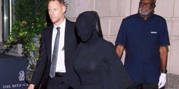 Kim Kardashian desata burlas por su atuendo en la Met Gala 7