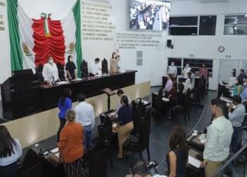 Congreso de Tabasco guarda minuto de silencio por fallecimiento de exgobernador 5