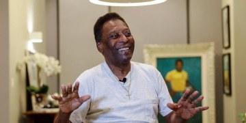 Pelé se recupera de pequeña recaída luego que extirparan tumor 64