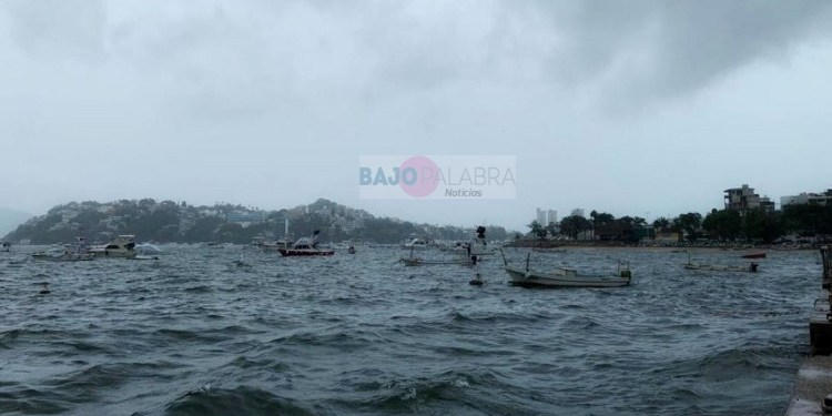 Cierran navegación en Acapulco por intensas lluvias y neblina 1