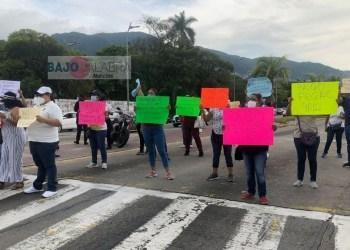 Trabajadores de Salud bloquean en Acapulco; exigen pago del FEGAC 4