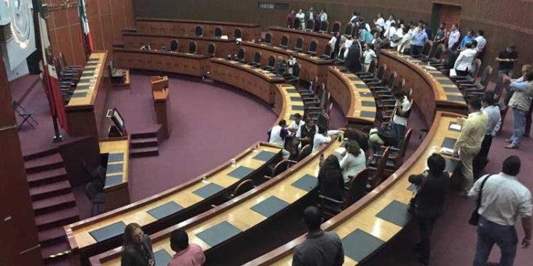 Cancela Congreso sesión por falta de quórum; diputados andaban con Peña 1
