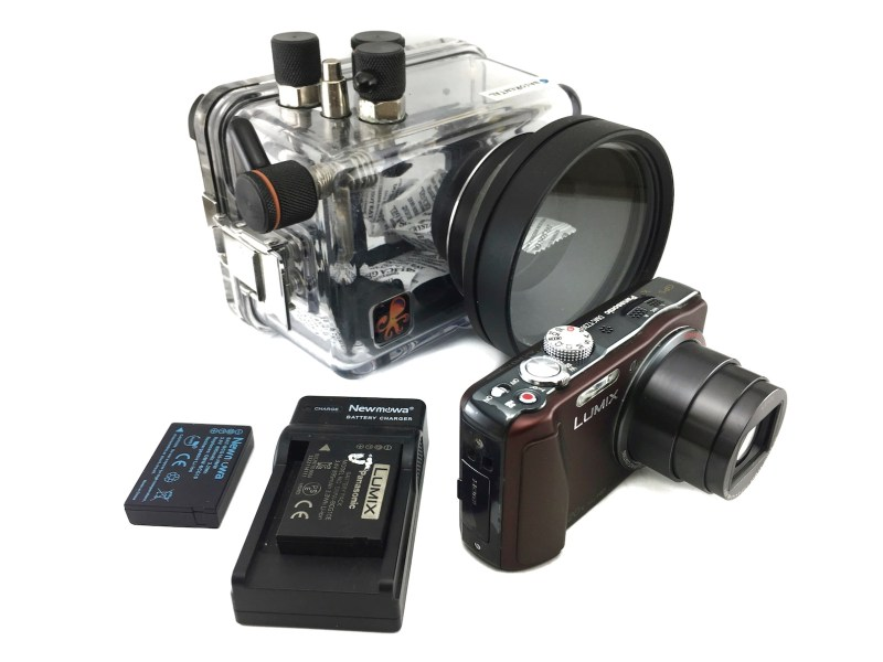 profesional diving camera for rental labuan bajo, labuan bajo rental center, lumix tz30 komodo, underwater housing, diving komodo, waterproof housing for rent