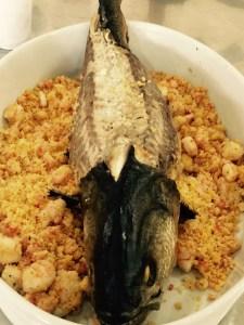 Anchova com farofa de camarão - Receita