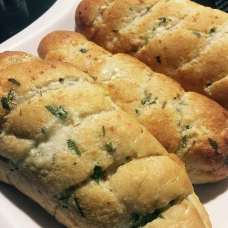 como fazer pão de alho