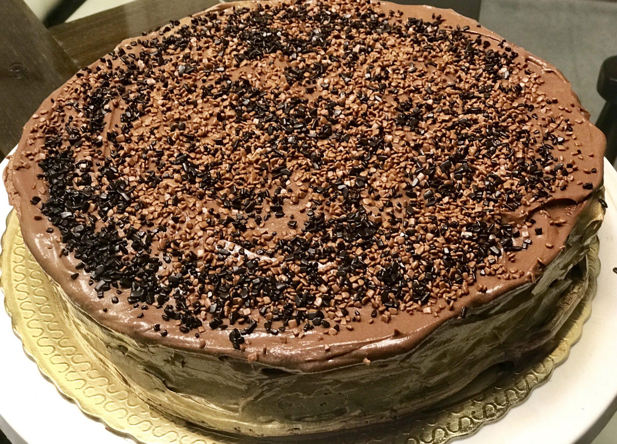 Receita do melhor bolo de chocolate do mundo, o bolo suspiro de chocolate.