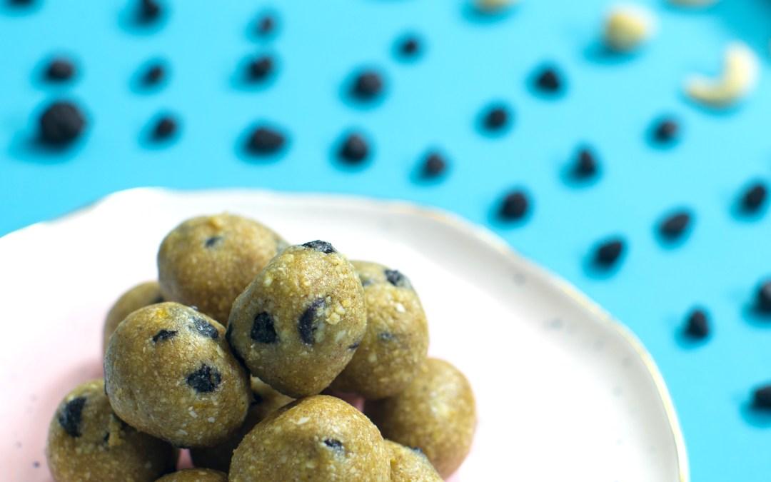Recipe: Raw Vegan Blueberry Muffin Bites