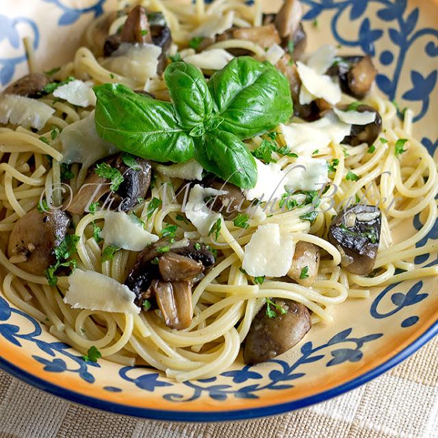 Pasta with Mushrooms & Basil