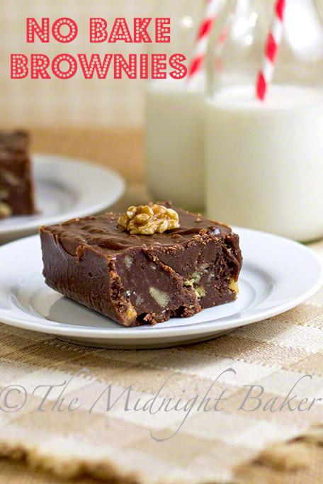 No Bake Brownies | bakeatmidnite.com | #brownies #fudge #NoBakeCookies