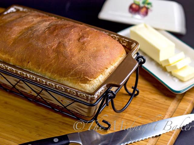 Amish White Bread #KingsHawaiianRolls #EasyBreads #WhiteBread