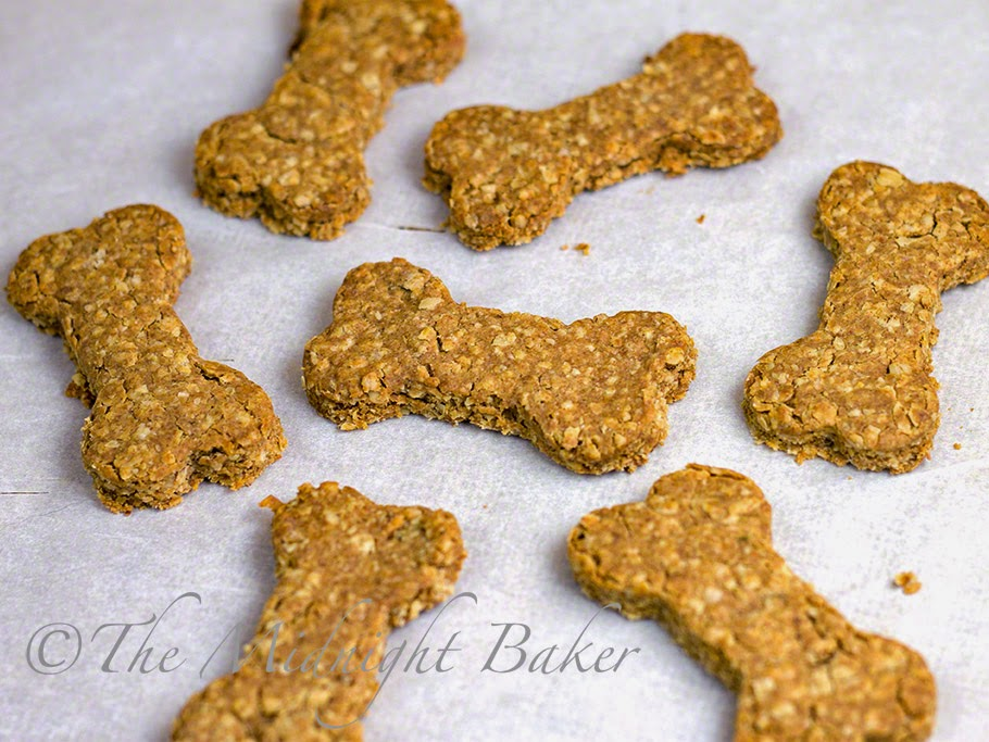 Peanut Butter and Bacon Dog Biscuits #DogTreats #DogBiscuits #PetTreats