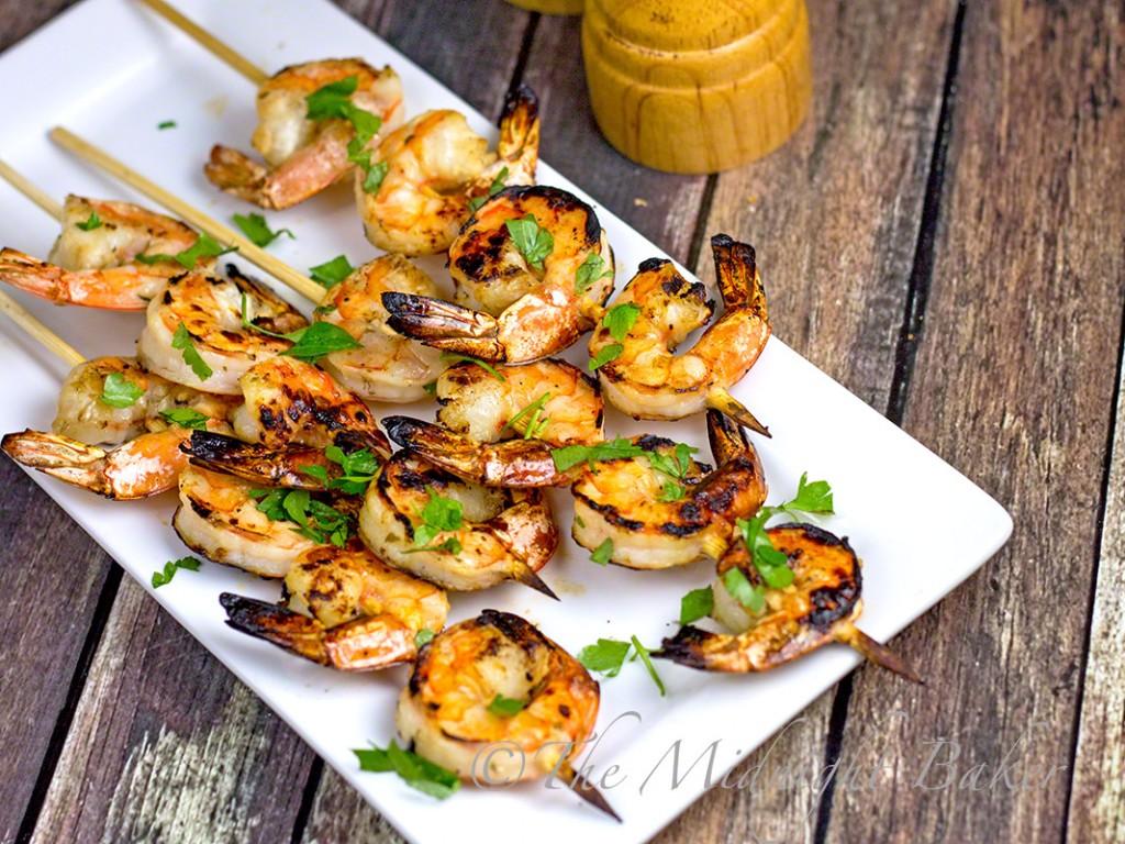 Pineapple Cilantro Shrimp | bakeatmidnite.com | #shrimp #MarinatedBBQShrimp #appetizers
