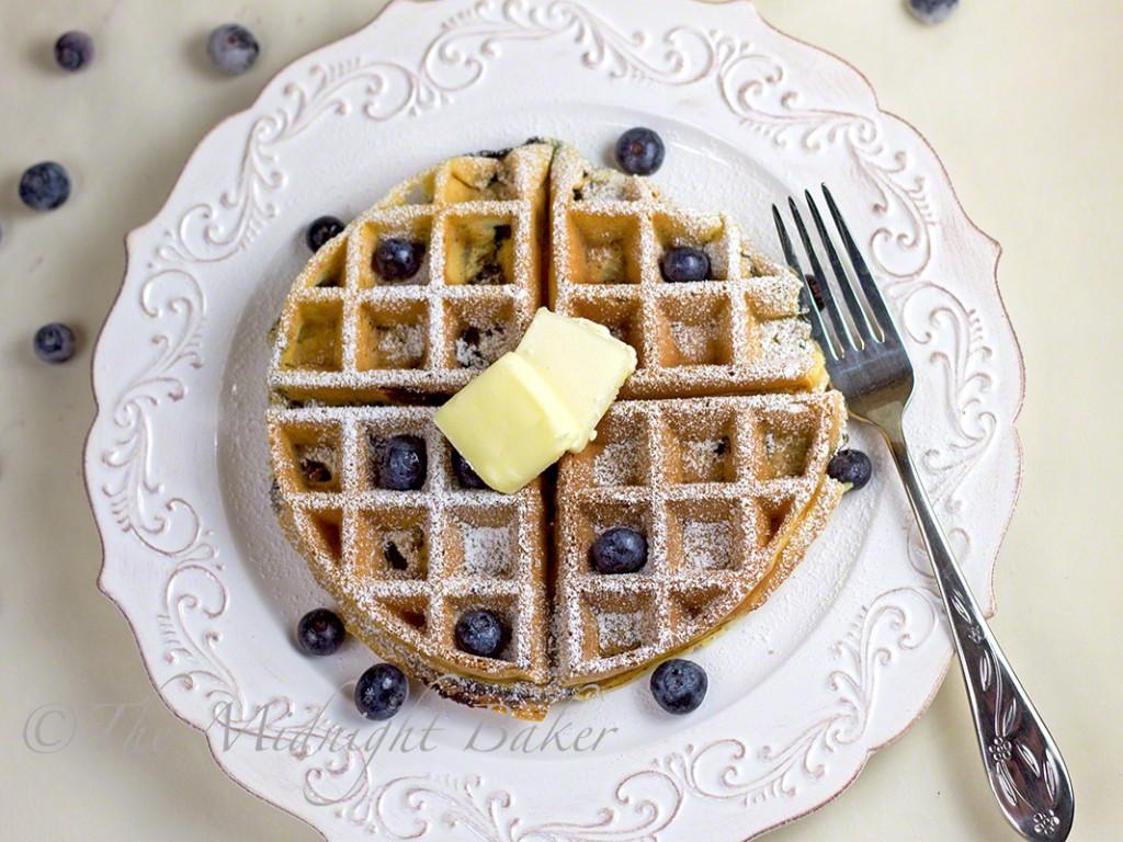 Sour Cream & Greek Yogurt Blueberry Waffles   bakeatmidnite.com   #waffles #blueberrywaffles #greekyogurt #breakfast