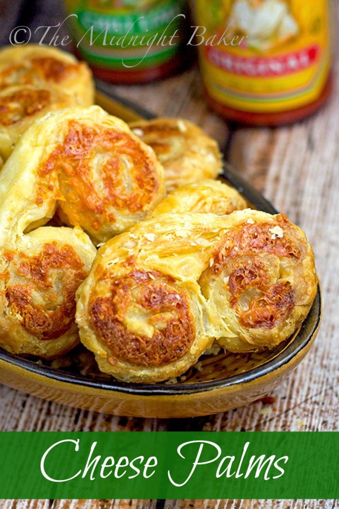 Cheese Palms | bakeatmidnite.com | #snacks #puffpastrysheets #appetizers