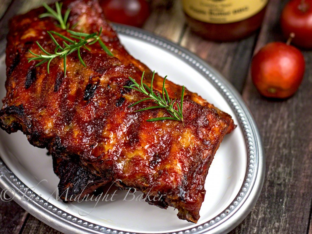 Apple Butter BBQ Ribs | bakeatmidnite.com | #porkribs #slowcooker #crockpot #catskillmountaincountrystore