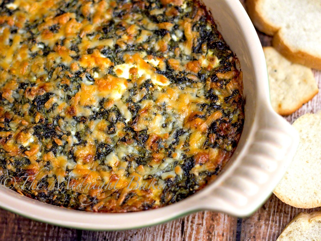 Hot Asiago Spinach Dip | bakeatmidnite.com | #dips #asiago #appetizers #holiday