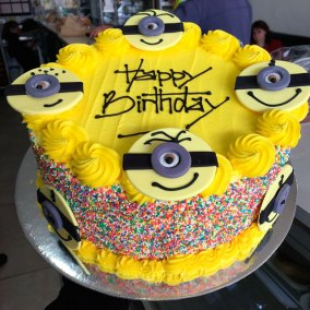 product-cake-minions
