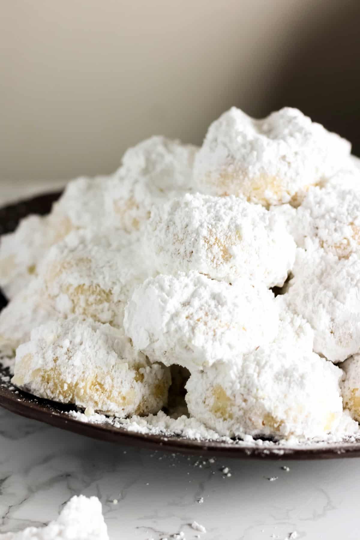 Kourabiedes - Greek Christmas Cookies - Baked Ambrosia