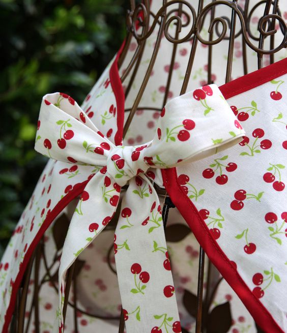 Jessie Steele Retro Cherry Apron