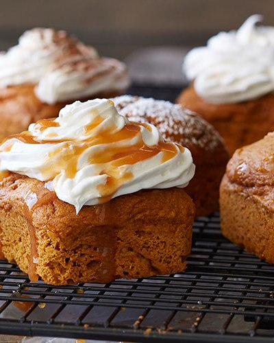 LUXURIOUS PUMPKIN CAKES