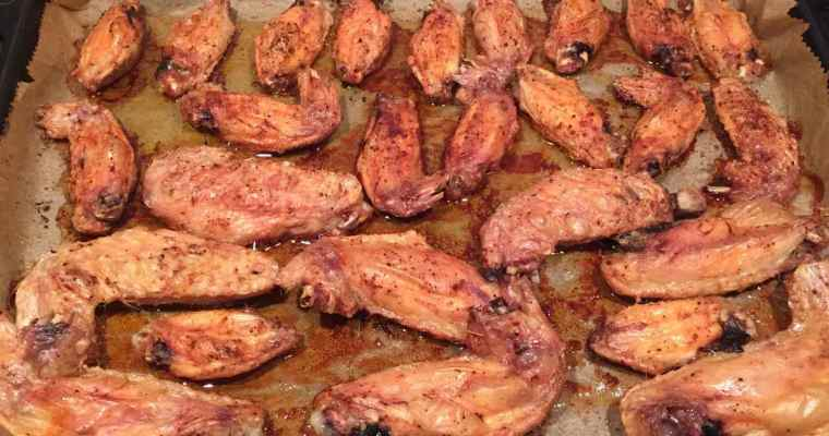 Chicken wings with homemade dipping sauce