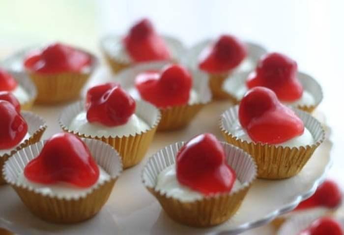 No Bake Mini Cherry Cheesecakes Baker Bettie