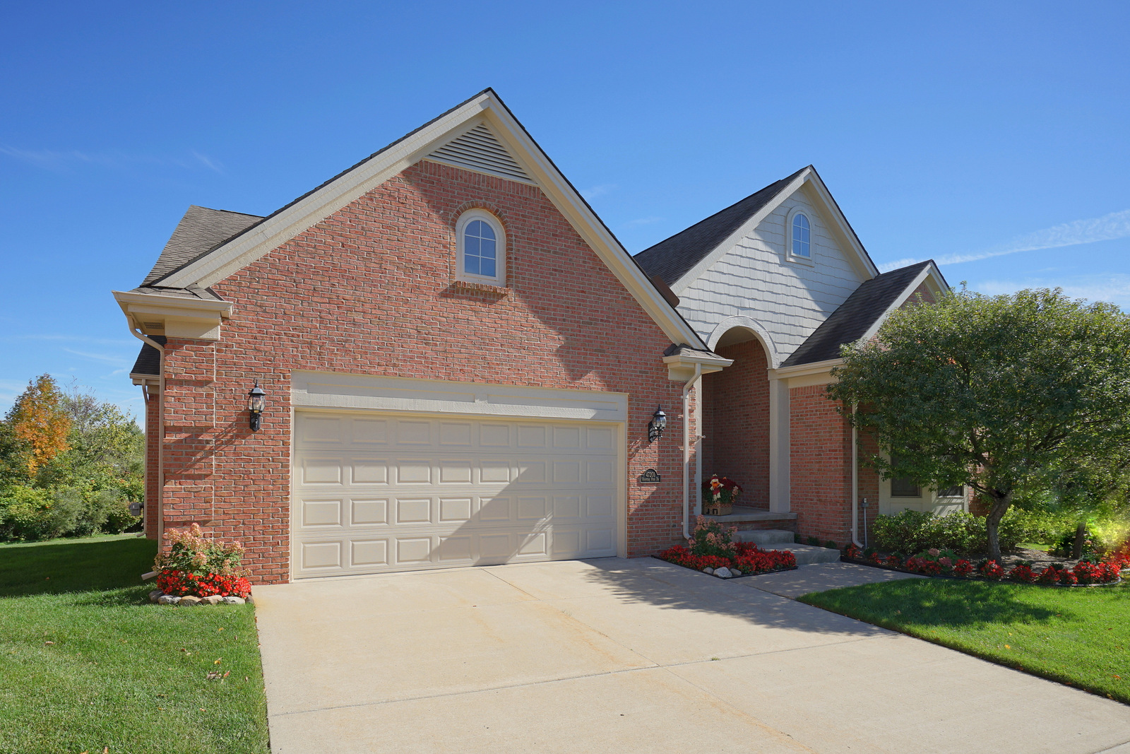 Detached 1 2 And 3 Car Garages In Nc: Just Sold! 47201 Hunters Park Drive, Plymouth: Detached