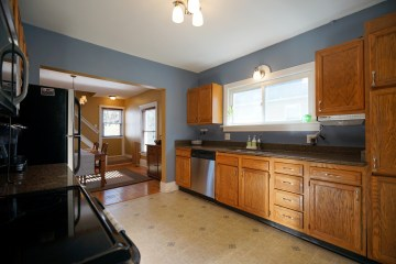 Kitchen to Dining Rm