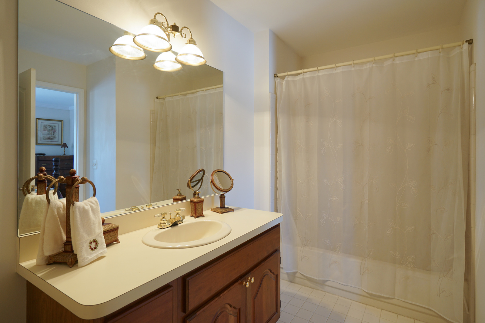 Bedroom 2 en Suite Full Bath