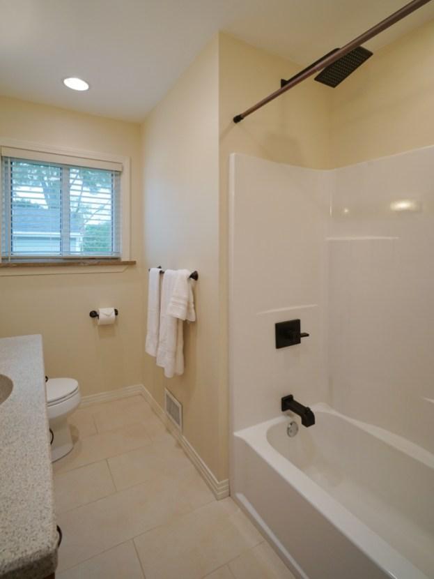Updated Full Bath