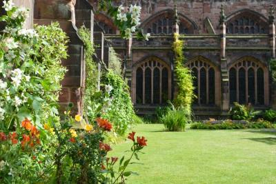 The cathedral cloister gardens